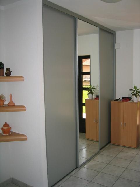 drsna vrata za garderobne omare