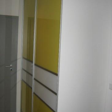 Nekaj primerov montaže drsnih vrat na garderobne omare