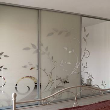 Primeri drsnih vrat za vgradne omare