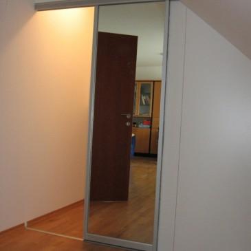 Tokrat o notranjih drsnih vratih
