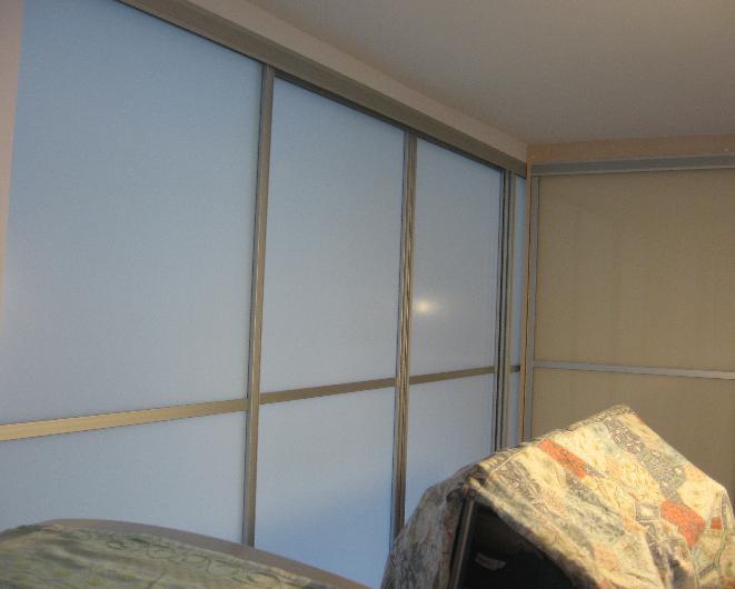 pregradna stena steklena vrata