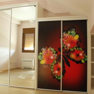 Primeri fototapet na drsnih vratih