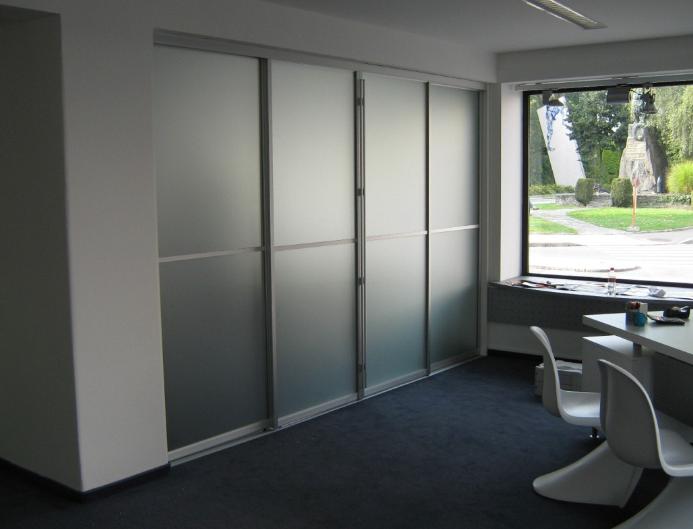 premična predelna stena drsna vrata